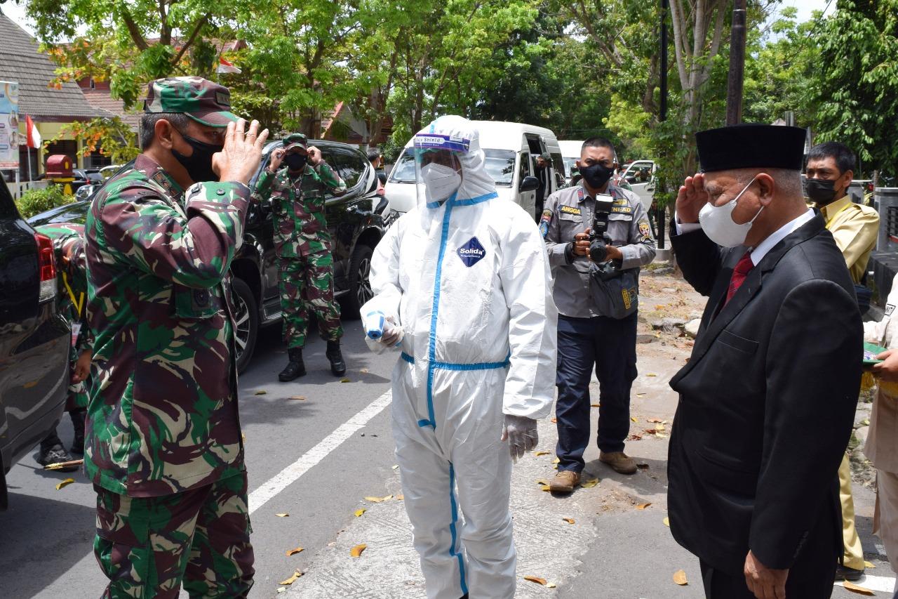 Kunjungi Lotim Pangdam Bicara Pandemi dan Sanitasi